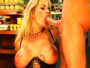 Vicky Vette – zum Supermarkt gehen